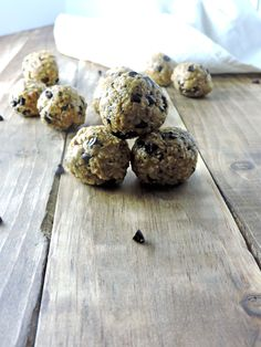 5 Ingredient Energy Bites come together easily with peanut butter, honey, chia seeds, oats, and dark chocolate chips. Sweet and Delicious.