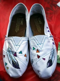 "Ram Lee | TOMS Shoes | ""Feathers"" - Ram Lee Tattoo ArtRam Lee Tattoo Art"
