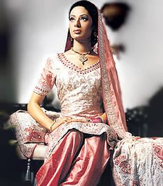 D1090 Eastern Fashion Outsource Solutions Manufacturing Solution of Pakistani Indian Fashion Dresses Think Pink
