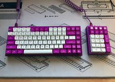 いいね!435件、コメント7件 ― Mechanical Keyboardsさん(@kbwarriors)のInstagramアカウント: 「The Girlfriend build My gawd, what's a beautiful setup. By /u/Aqlno」