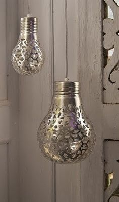 Reciclando bombillas. http://sustentator.com