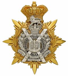 King's Own Scottish Borderers, Officer's helmet plate Military Ranks, Military Uniforms, Army Badges, Uk Arms, Grand Cross, Army Hat, Scotland Castles, Crests, British Army