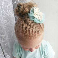 20 Braided Top to Messy Bun - Ballett hair - You are in the right place about Kids Hairstyles for dance Here we offer you the most beautiful pictures about the Donut Bun Hairstyles, Dance Hairstyles, Flower Girl Hairstyles, Pretty Hairstyles, Braided Hairstyles, Hairstyle Short, Short Hair, Toddler Hairstyles, Little Girl Hairdos