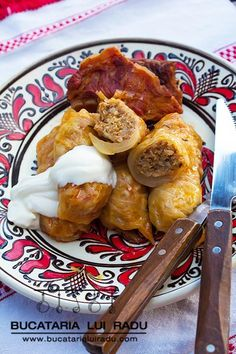 Pork mince, onion, rice and spices combine in this Romanian stuffed cabbage rolls recipe. Stuffed cabbage rolls with smoked meats, traditional Romanian. Cabbage Rolls Recipe, Pork Mince, Romanian Food, Minced Onion, Russian Recipes, Smoking Meat, Good Food, Spices, Meals