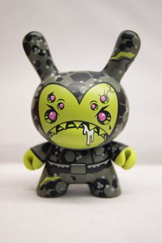 "Super Chase Sabo Double Up Devious Art of War 3"" Dunny Kidrobot 2014 
