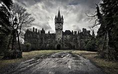 broken dark castle (1920×1200)