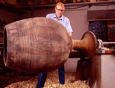 Ed Moulthrop (1916–2003) at the lathe. Paul G. Beswick photograph