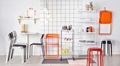 NISSE klappstol, ADDE stol, BYGEL rullvagn, NORBERG väggmonterat klaffbord, MULIG hylla.