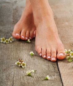 Best homemade foot scrub recipes to get rid of feet problems and treating them naturally. Weight Loss Plans, Easy Weight Loss, Weight Loss Program, Healthy Weight Loss, Losing Weight, Need To Lose Weight, Reduce Weight, Medical Weight Loss, Tips Belleza