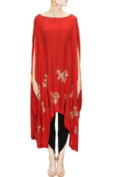 Cape dhoti pants - Prathyusha Garimella - What to wear to an Indian wedding Pakistani Dresses, Indian Dresses, Indian Outfits, Indian Attire, Indian Wear, Modest Fashion, Fashion Dresses, Kaftan Designs, Salwar Kameez