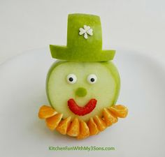 Leprechaun Fruit Snack for a fun & healthy St. Patrick's Day snack!