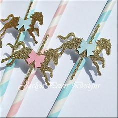 Dazzle your baby shower and birthday guests with our gold glitter Carousel Horse Party Straws in a do it yourself kit! Add sparkle to celebration drinks, use as cake pop sticks or hand out as favors. Birthday Party Drinks, Carousel Birthday Parties, Pink And Gold Birthday Party, First Birthday Decorations, Glitter Birthday, Unicorn Baby Shower, Unicorn Party, Unicorn Birthday, Baby Birthday
