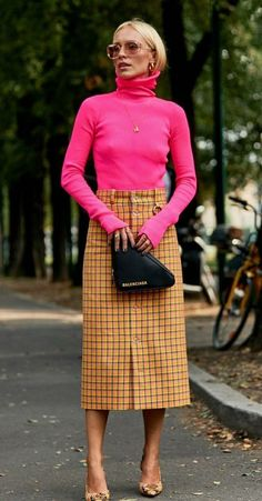 Nice 41 Combinations Of Stylish Pink Outfits For Women Fashion Looks, Pink Fashion, Fashion Week, Fashion Outfits, Womens Fashion, Skirt Fashion, Fashion Clothes, Fashion Styles, Trendy Fashion