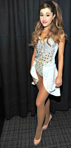 Jingleball Ariana Grande