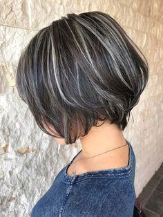 Medium Hair Styles, Short Hair Styles, Grey Hair Transformation, Grey Hair Inspiration, Hair Cutting Techniques, Dark Hair With Highlights, Mom Hairstyles, Hair Color And Cut, Stylish Hair