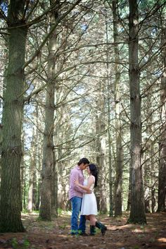 Great Michigan outdoor engagement photos by @btwphotography