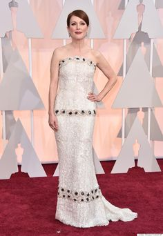 Julianne Moore's Oscars 2015 Dress Took 927 Hours To Make, And It Was Worth It via The Huffington Post Canada Style