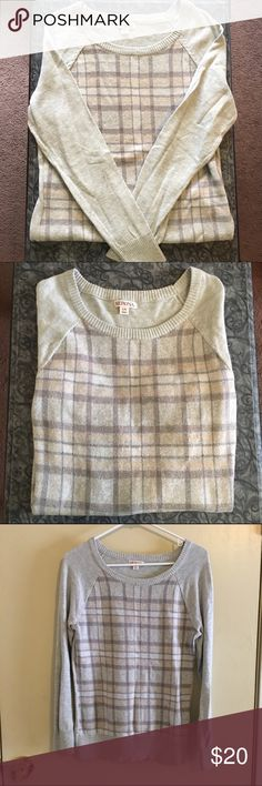 Merona brand long sleeve front pattern sweater Merona brand long sleeve sweater. Plain gray back with stripes pattern on the front. Color looks slightly purple in the photos but is more tan/brown in real life. Size Large. Reasonable offers accepted. Merona Sweaters Crew & Scoop Necks