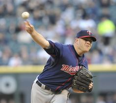 P.J. Walters #39 of the Minnesota Twins pitches against the Chicago White Sox in the first inning on May 22, 2012