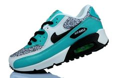 Jordan Shoes For Women, Nike Air Max For Women, Nike Women, Air Max Sneakers, Sneakers Nike, Nike Shoes Cheap, Skull Tattoos, Sporty Outfits, Air Max 90