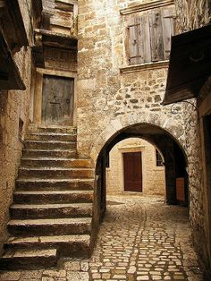 Trogir, Croatia. Trogir (Italian Traù, Latin Tragurium, Greek Tragurion, Hungarian Tengérfehérvár)