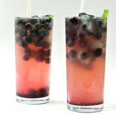 Boozy Blueberry Lemonade http://ift.tt/2pVdSgG