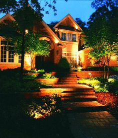 25 Ideas Amplifying Beautiful House Exterior with Unique Architectural Features and Landscaping Ideas