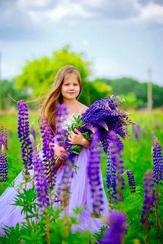 Cute Kids, Cute Babies, Alaskan Klee Kai, Child Love, Love Flowers, Beautiful Children, Nature Photos, Fantasy Characters, Kids Girls