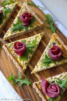 Pretty as a picture this cold smoked reindeer quiche with red onion and gherkins not only tastes good - it's just what you need the day after the night before... ;-)