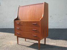 Awesome-Mid-Century-Modern-Danish-Teak-Maurice-Villency-Desk-Cabinet