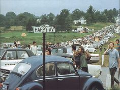 pictures from woodstock 1969 | Happy Ave VW Bug Woodstock Festival 1969