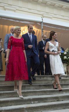 Kate Middleton Photos Photos - Prince William, Duke of Cambridge, Catherine, Duchess of Cambridge and Poland's First Lady Agata Kornhauser-Duda attend the Queen's Birthday Garden Party at the Orangery, Lazienki Park on day 1 of their official visit to Poland on July 17, 2017 in Warsaw, Poland. - The Duke And Duchess Of Cambridge Visit Poland - Day 1