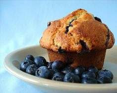 THE BEST flavored blueberry muffins you'll ever eat! You can use fresh or frozen blueberries for this recipe. We live in an area where there are several blueberry farms and fill our freezer. These muffins are a special treat! Bran Muffins, Breakfast Muffins, Mini Muffins, Yogurt Muffins, Oatmeal Muffins, Healthy Muffins, Healthy Snacks, Healthy Eating, Banana Blueberry Muffins