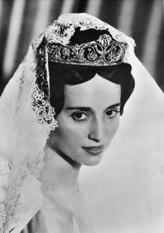 Royal Jewels of the World Message Board: Borbon-Parma / Lobkowicz Tiara on Auction Royal Crown Jewels, Royal Crowns, Royal Tiaras, Royal Jewelry, Tiaras And Crowns, Royal Brides, Royal Weddings, Vintage Weddings, Bourbon