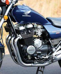 The Future Motorcycle: 1985 Honda Nighthawk 650 - Classic Japanese Motorcycles - Motorcycle Classics Honda V, Honda Bikes, Honda Motorcycles, Vintage Motorcycles, Cheap Motorcycles, Womens Motorcycle Helmets, Cruiser Motorcycle, Motorcycle Girls, Motorcycle Jacket