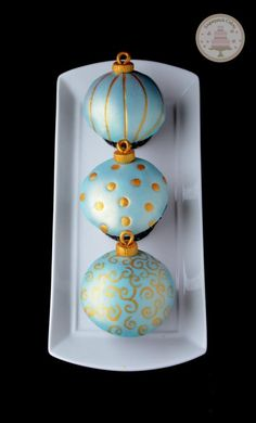 Christmas Bauble Cupcakes - Cake by Sugarpatch Cakes