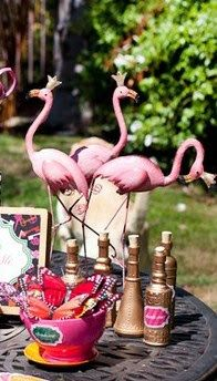 don't forget the pink flamingos! - Photo props - Alice in Wonderland / Mad Hatter Tea Party