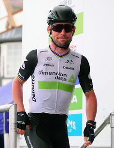 Mark Cavendish makes his way to the stage to officially sign in for the stage…