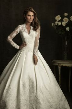 TraditionalWeddingDresses.co.za Sale Cheap Ball Gown Chapel Train Long Sleeve Lace Wedding Dresses L0022 Online with Fast Delivery to Cape Town, Johannesburg, Durban, South Africa and other Africa Countries.