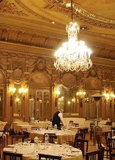 Restaurante Casa do Alentejo, outrora a residência dos Viscondes de Alverca, construída no século XIX, é, hoje, um dos dez restaurantes mais bonitos de Portugal.