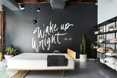 An American-made, bespoke mattress brand needed to elevate sleep to an art form. Having taken painstaking steps to develop a revolutionary new mattress, the founders of Wright Bedding wanted to convey their keen attention to detail and passion for the bedroom. An extensive brand system paying homa