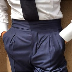 Suit Fashion, Fashion Pants, Mens Fashion, Bespoke Suit, Bespoke Tailoring, Bespoke Clothing, Elegant Man, Pleated Pants, Tailored Trousers
