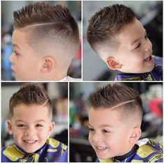 Une coiffure rappelant celles des footballeurs pour un garçon