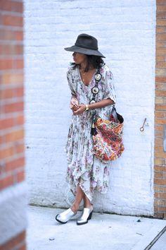 A Bohemian style, long printed dress, wool grey hat, silver shoes Bohemian Style, Boho Chic, Boho Fashion, Womens Fashion, Fashion Drug, Dress To Impress, Dress Up, Boho Dress, Street Style