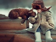 15 Adorable Photos Of Children And Animals Cuddling Animals For Kids, Animals And Pets, Baby Animals, Cute Animals, Nature Animals, So Cute Baby, Cute Kids, Beautiful Creatures, Animals Beautiful