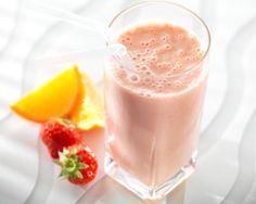 Cheese recipes from Cookipedia. A creamy fruity smoothie that uses Philadelphia extra light as the base. Fruit Smoothie Recipes, Juice Smoothie, Fruit Juice, Philadelphia Recipes, Food Website, Yummy Drinks, Cold Drinks, Cheese Recipes, Other Recipes