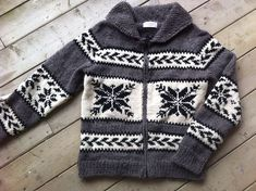Baby Boy Knitting Patterns, Baby Sweater Knitting Pattern, Knit Baby Sweaters, Knitting For Kids, Easy Knitting, Cool Sweaters, Knitting Designs, Knit Patterns, Sweaters For Women
