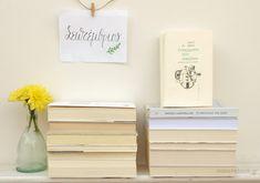 «Η Συνείδηση του Ζήνωνα» και το «Μεγαλείο της ζωής» Αναγνώσεις Σεπτεμβρίου Floating Nightstand, Place Cards, Place Card Holders, Toys, Furniture, Home Decor, Floating Headboard, Activity Toys, Decoration Home