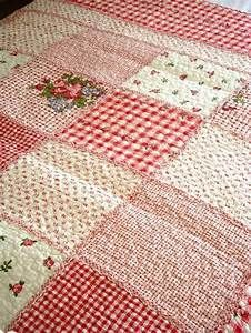Country Style Quilts – co-nnect. Rag Quilt, Patch Quilt, Quilt Blocks, Quilting Projects, Quilting Designs, Quilting Ideas, Sewing Projects, Red And White Quilts, Fat Quarter Quilt