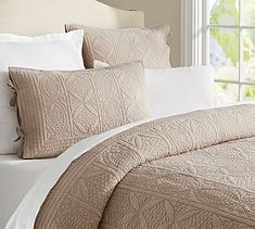 SIMPLY TAUPE, Full/Queen Size, Hanna Quilt and Sham - Potterybarn.com
